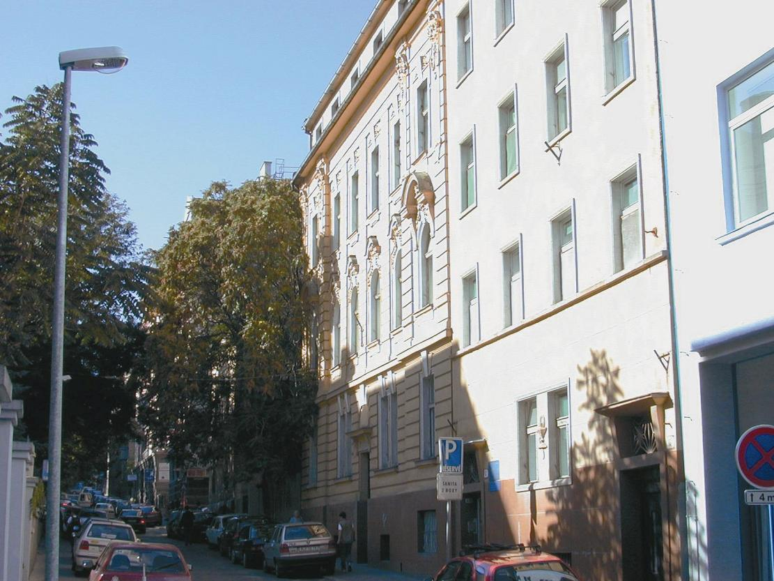 Fakultná nemocnica na Zochovej 12